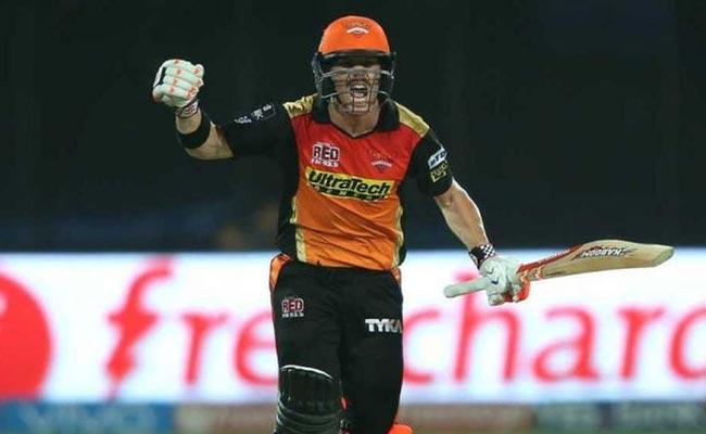 हैदराबाद के कप्तान वार्नर ने अपनी कप्तानी से ट्रॉफी जीती और दिल भी...
