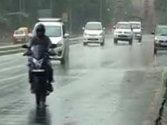 Rain, Thunderstorm In Delhi Bring Down Temperature To 33 Degrees Celsius