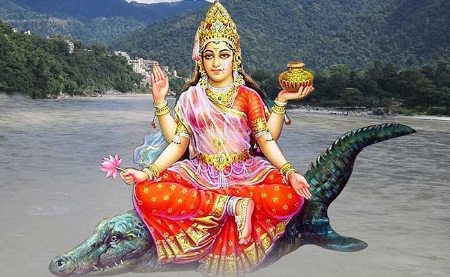 मगरमच्छ ही क्यों है देवी गंगा का वाहन, जानिए इस पवित्र नदी से जुड़ी कुछ ख़ास और रोचक बातें