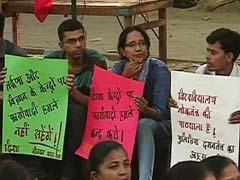 जंतर मंतर पर जेएनयू छात्रों का प्रदर्शन, समर्थन देने पहुंचे कई नेता