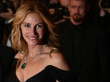 At Cannes, Julia Roberts Walks Heels-Only Red Carpet Barefoot