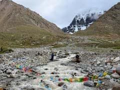 First Group Of Kailash-Mansarovar Pilgrims For 2019 <i>Yatra</i> Reach Tibet