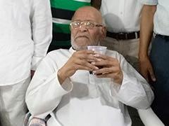 महात्मा गांधी के पोते दिल्ली के वृद्ध आश्रम में क्यों हैं?