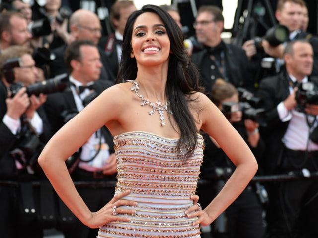 Cannes 2016: Mallika Sherawat Steals the Show at the amfAR Gala