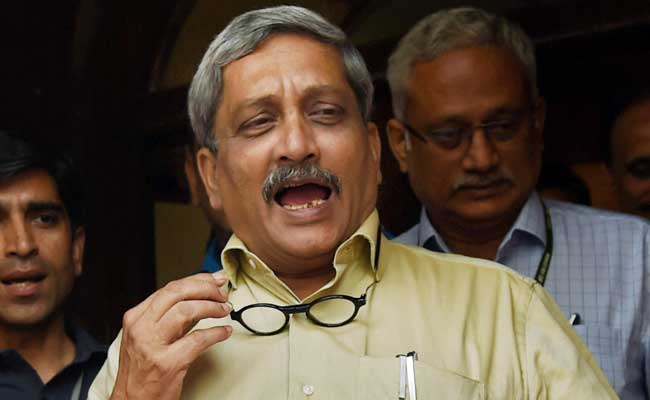 After Twitter SoS, Manohar Parrikar Orders Ex-Navyman's Ill Daughter's Airlift