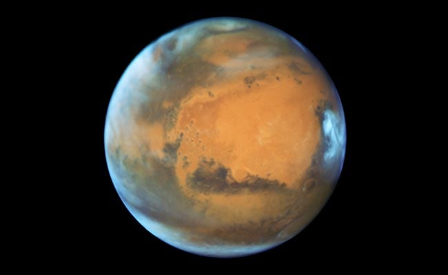 Close Encounter Between Mars And Earth After A Decade