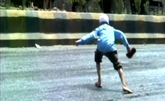 Caught On Camera: A Dangerous, Melting Road In Gujarat