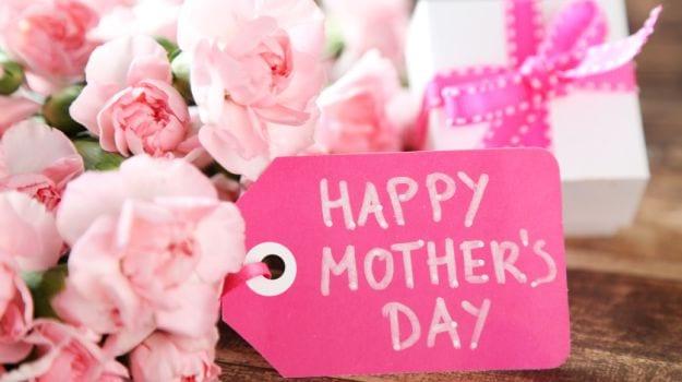 Mother's Day 2017: जानिए इंग्लैंड, यूरोप और ब्रिटेन में कैसे मनाया जाता है मदर्स डे
