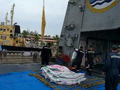 'रोनू' से प्रभावित श्रीलंका में राहत सामग्री पहुंचाने के लिए भारतीय नौसेना के दो जहाज रवाना