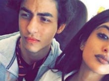 Shah Rukh's Son and Big B's Granddaughter Post a Selfie Together