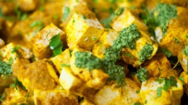 paneer chaat with chilli chutney
