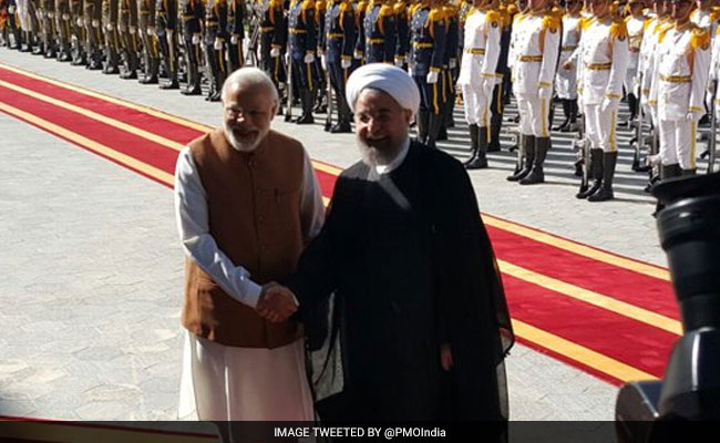 पीएम मोदी ने गुरुद्वारे में मत्था टेक कर की ईरान यात्रा की शुरुआत - दस खास बातें