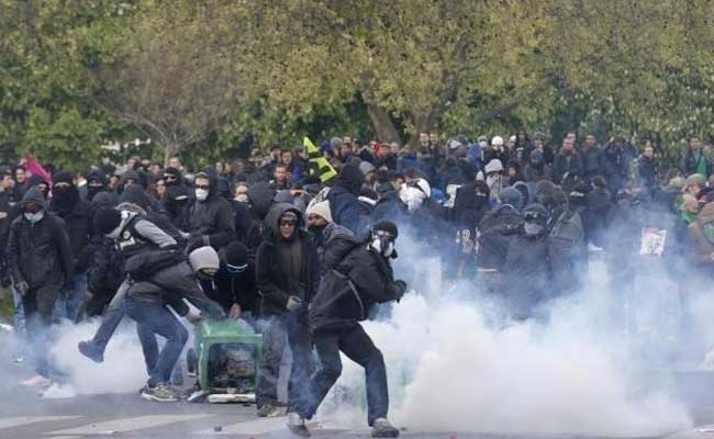 France May Force Rail Strikers Back To Work: Transport Minister