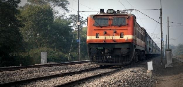 भारतीय रेलवे में 12वीं पास के लिए नौकरी, अक्टूबर तक करें आवेदन