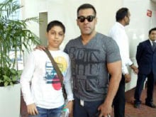 Salman Khan's Special Gesture For a Young Fan