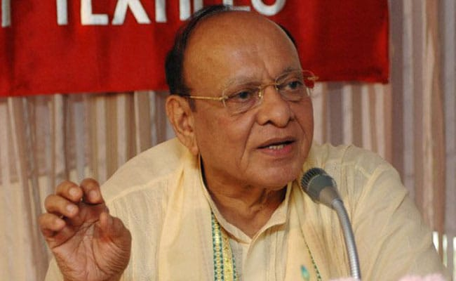 'Expelled' from Congress, Shankersinh Vaghela heaps praise on RSS