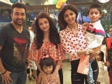 A Family Pack Photo: Aishwarya-Aaradhya at Shilpa's Son Viaan's Birthday