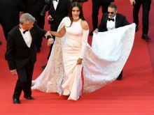 Sonam Kapoor Glams up Cannes Red Carpet in Dramatic White