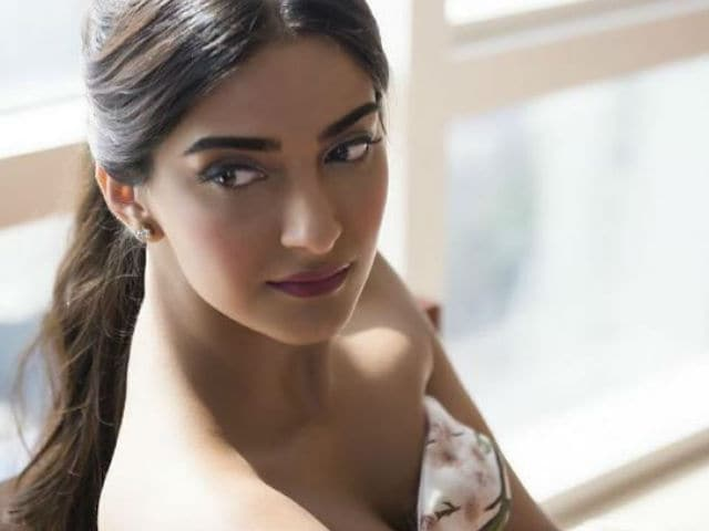 Sonam Kapoor's Battle For Bittora on Hold Due to Date Issues