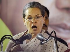 Sonia Gandhi Hits Campaign Trail In Tamil Nadu; Slams AIADMK, Modi Government