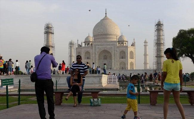 ताजमहल दुनिया के टॉप 10 दर्शनीय स्थलों में से एक, जानें बाकी नौ स्थल कौन से...