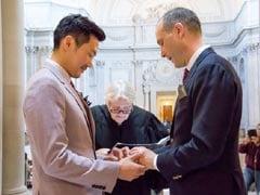 शंघाई में नियुक्त अमेरिकी राजनयिक ने चीनी गे साथी से की शादी