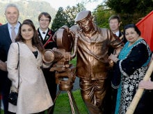 Yash Chopra Honoured With Bronze Statue by Swiss Government