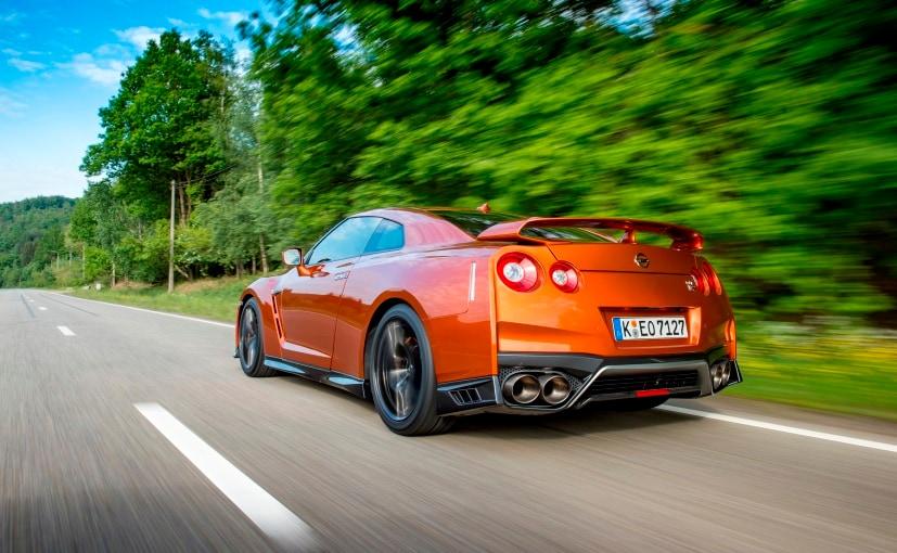 2017 Nissan GT-R Driving Dynamics