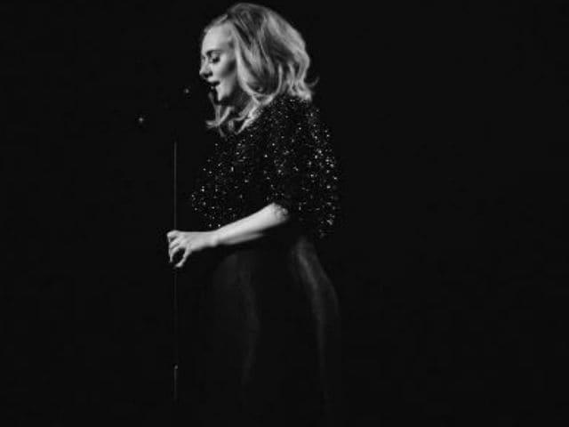 Adele Stops Glastonbury Gig to Help Ill Fan