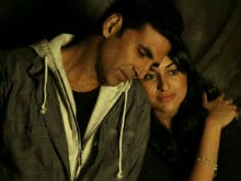 Akshay Kumar 'Can't Wait for' Sonakshi Sinha's <i>Akira</i>