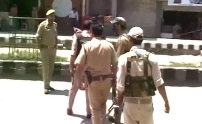 Civilian Killed, 4 Policemen Injured In Grenade Attack In Kashmir's Anantnag