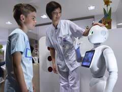 बेल्जियम के अस्पतालों में मौजूद यह रोबोट 20 भाषाओं में लोगों से कर सकता है बात ..