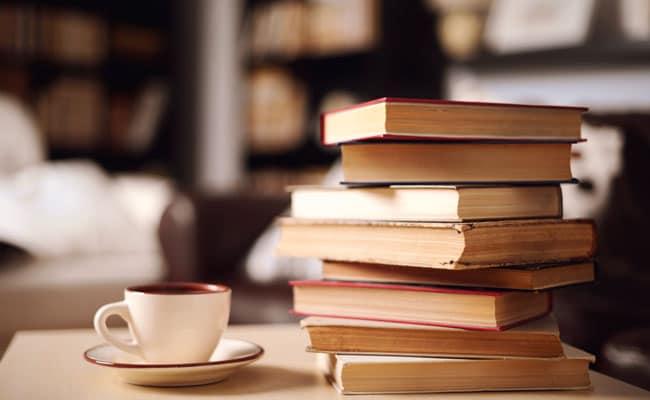 केवल खुशी ही नहीं, मुश्किल वक्त में भी किताबें देती हैं साथ क्योंकि...