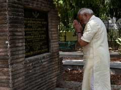 पीएम नरेंद्र मोदी ने ट्वीट कर गंगाधर तिलक और चंद्रशेखर आजाद को याद किया