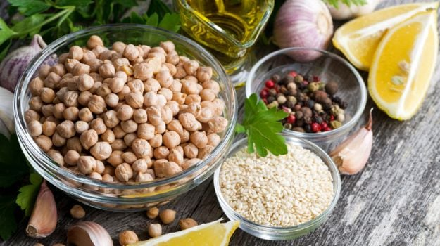 do you know the benefits of chickpea | try these healthy chole/chane recipes