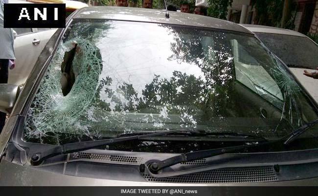 मध्य प्रदेश : खड़े कंटेनर में घुसी कार, एक ही परिवार के छह लोगों की मौत