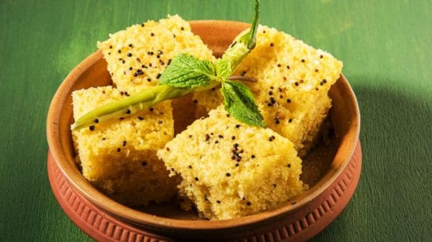 5 Gujarati Snacks or Farsan You Can Enjoy With a Cup of Tea