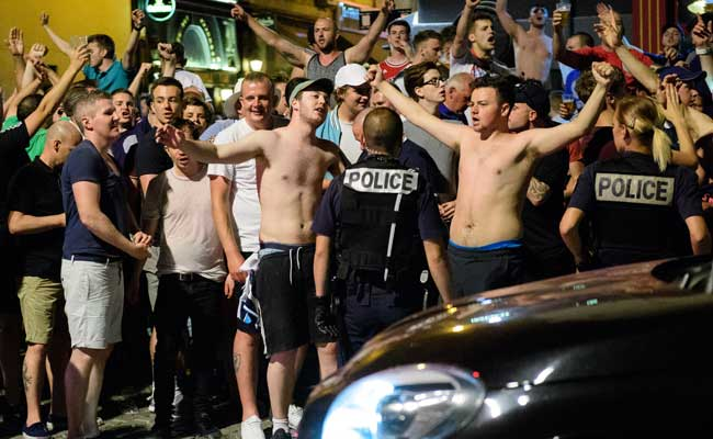How Could 200 Russian Fans 'Beat Up' Thousands Of English ...