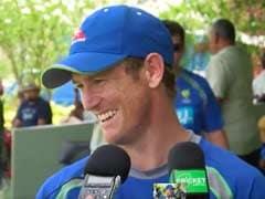 वायरल : जब एक मुर्गे को क्रिकेटर जॉर्ज बैली ने कहा- यह थोड़ा बदमाश है...