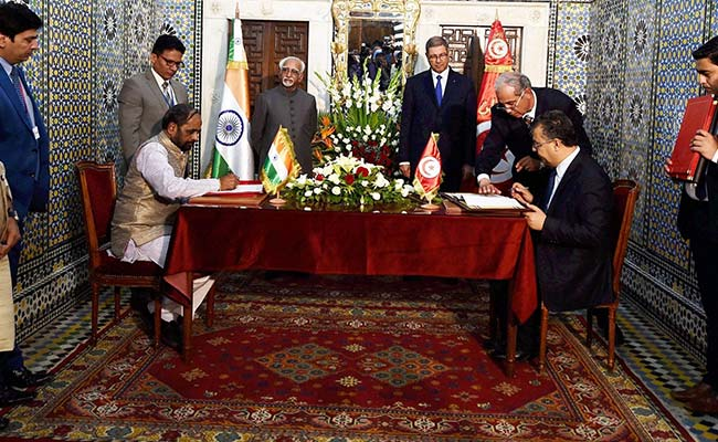 India, Tunisia Sign 2 Agreements In IT, Handicrafts Sectors