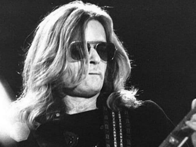 Henry McCullough, Guitarist of Paul McCartney's Band Wings, Dies at 72