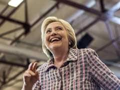 अमेरिकी राष्ट्रपति पद के चुनाव के लिए डेमोक्रेटिक उम्मीदवारी जीतने के करीब हैं हिलेरी