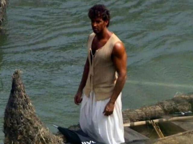 Mohenjo Daro Poster: Meet a Weathered Hrithik Roshan as Sarman