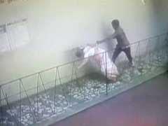 मुंबई से सटे कल्याण में बुजुर्ग महिलाओं के गले से चेन खींचने वाले चोर गिरफ्तार