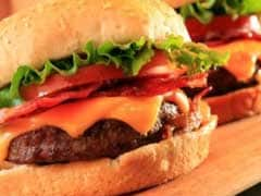 Plastic In Burger Leaves Delhi Man With Throat Injuries