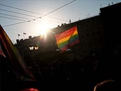 Gay, Bisexual Adults More Prone To Smoke, Alcohol Abuse