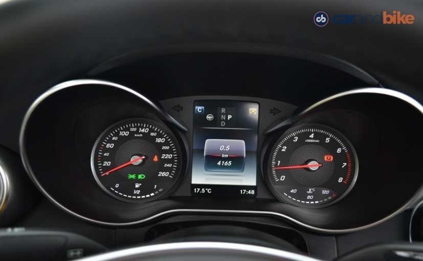 Mercedes-Benz C300 Cabriolet Instrument Panel