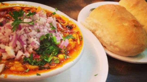 10 Local Dishes in Mumbai You Need to Bite Into