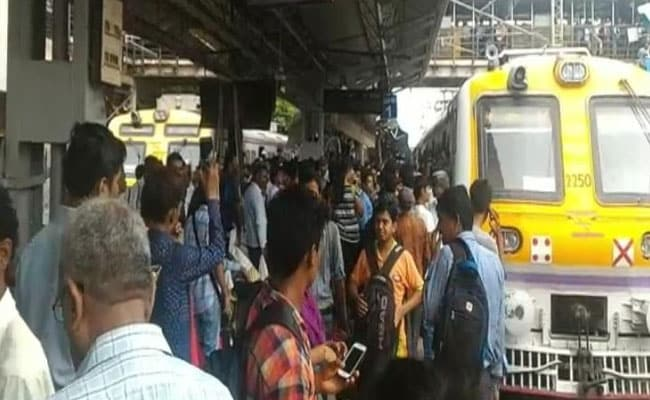 Court Threatens To Stop Salary Of Mumbai Civic Body, Railway Staff For Failing To Construct A Bridge