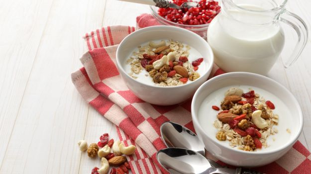 Oats Porridge: Four Exciting Recipes to Spruce Up Your Breakfast